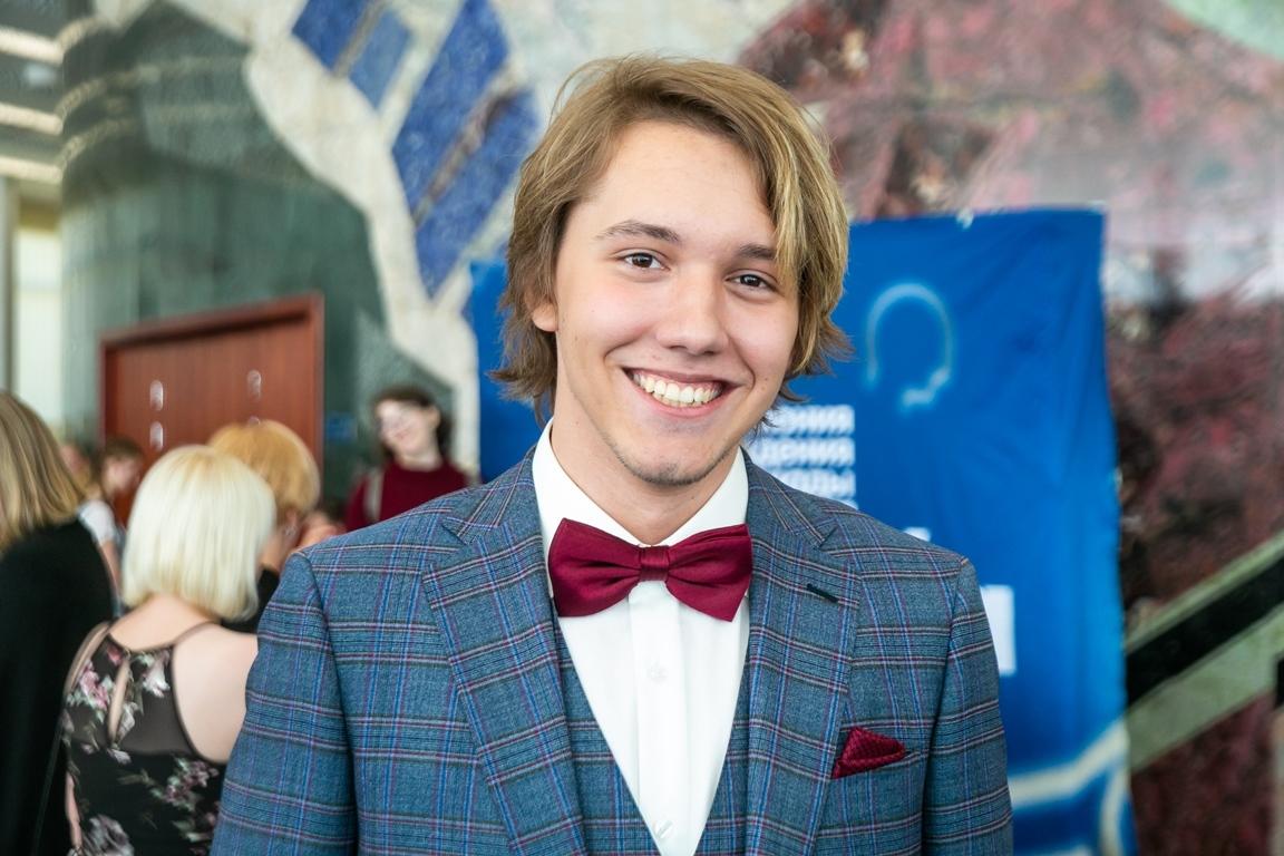Филипп Смирнов, 11 класс, Шуваловская школа №1448